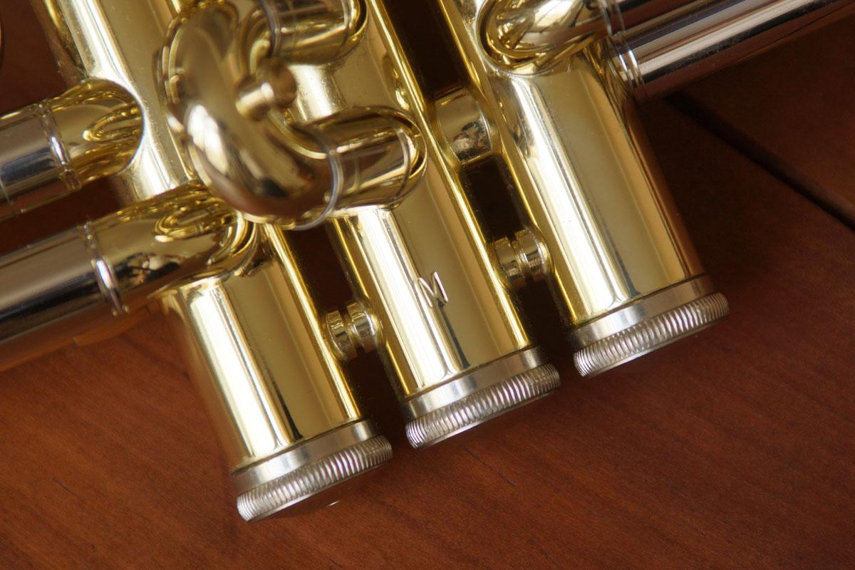 11,3 Millimeter Bohrung sind zwar keine Seltenheit, jedoch die Kombination mit einem kleinen Schallstück macht die B&S eXquisite zu einer modernen Anomalie.
